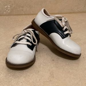 FootMates Saddle Oxfords